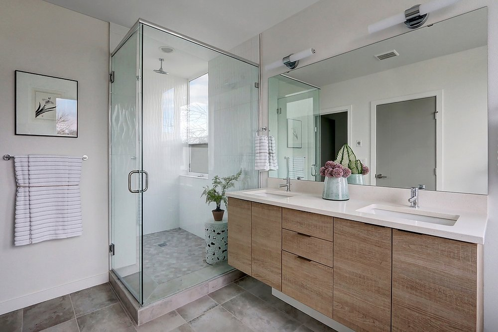 A master shower.jpg