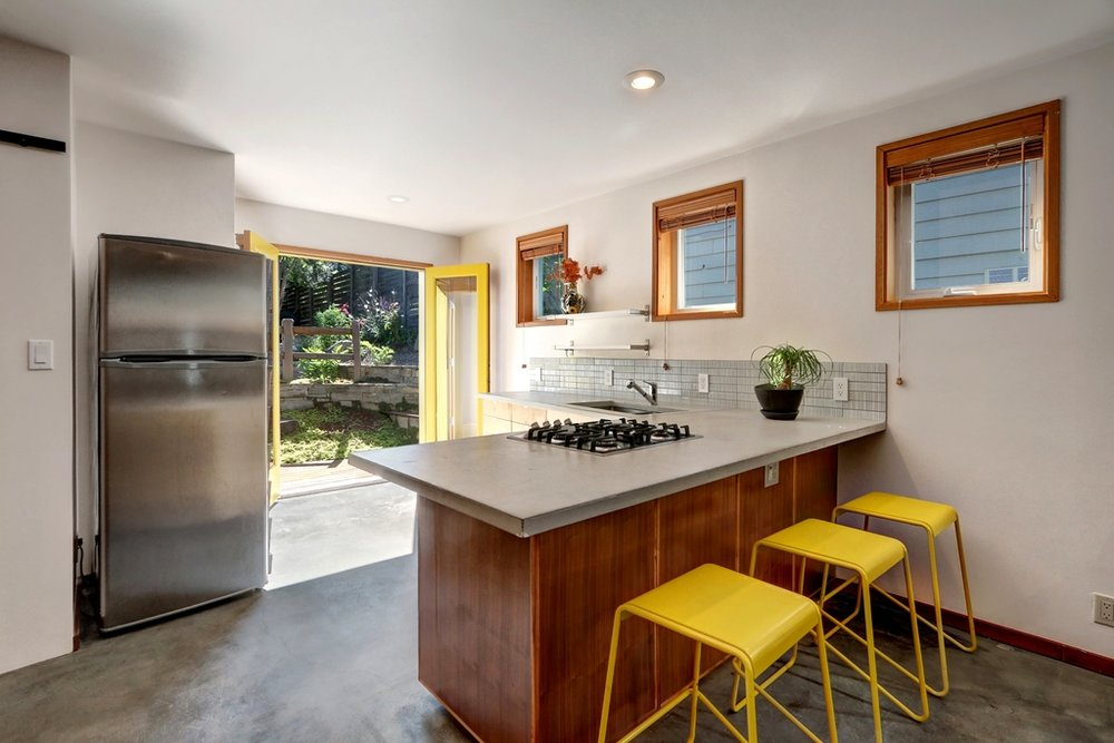 MIL kitchen to frenchdoor.jpg