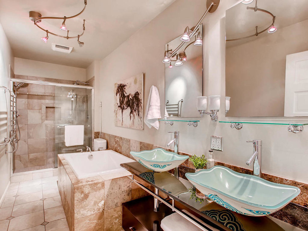 Bathroom main-MLS_Size.jpg