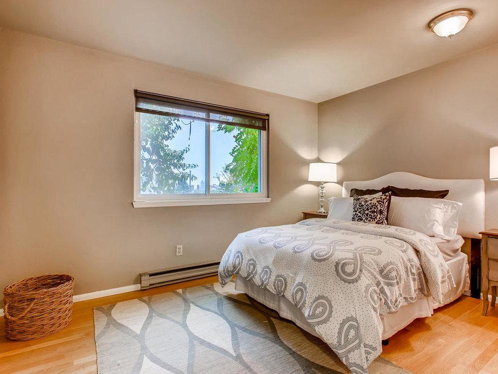 Bedroom 3-MLS_Size.jpg
