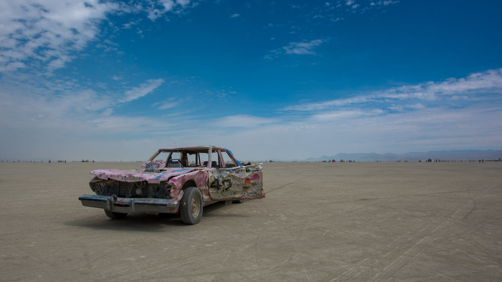 Just a broken taillight on the Playa. ( click on image to enlarge  )