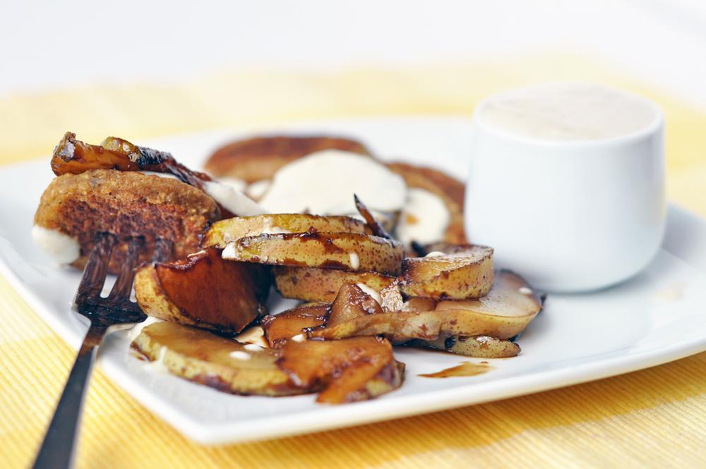 pear pancakes 1a.jpg