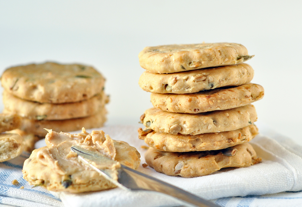 spelt crackers 3a.jpg