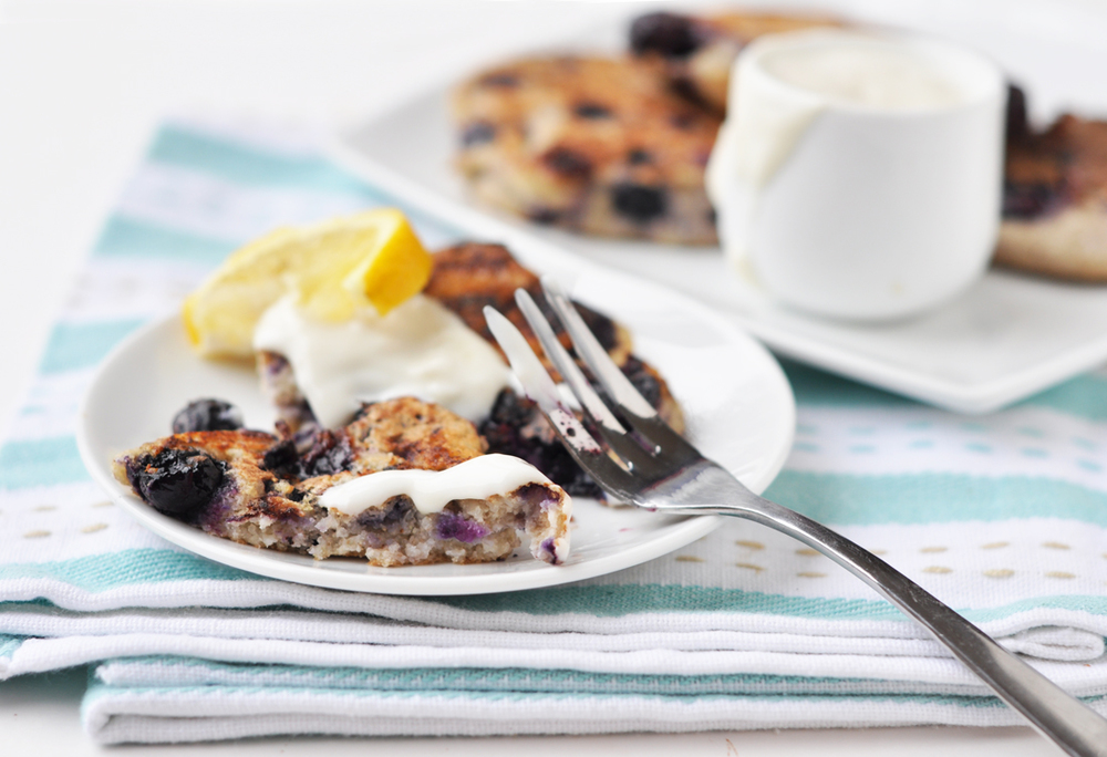 lemon blueberry pancakes 2a.jpg