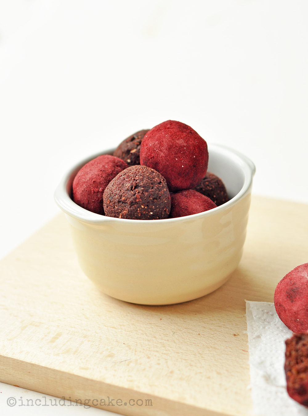 chocolate beetroot energy balls