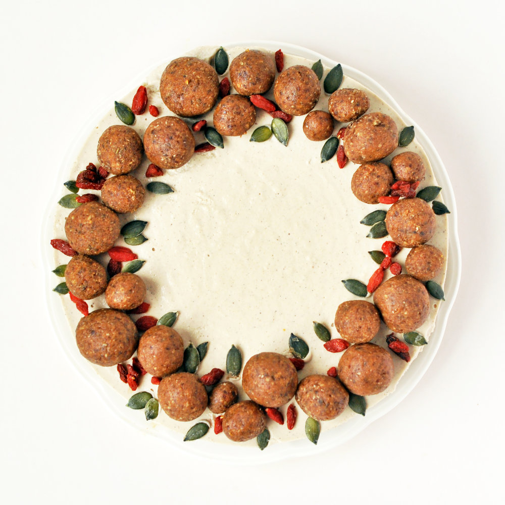gingerbread wreath cheesecake 1.jpg