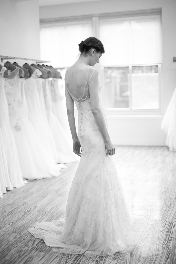Beautiful shot from Couture Colorado of Lela Rose Central Park gown  - Photography by Laura Dombrowski of COUTUREcolorado