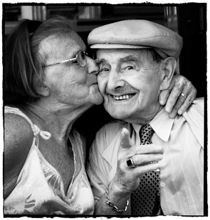 Cute_old_couple_by_Gurbz.jpg