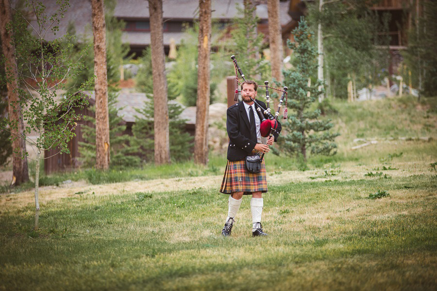 Marissa_Liam_Colorado_Ranch_Wedding_16.jpg