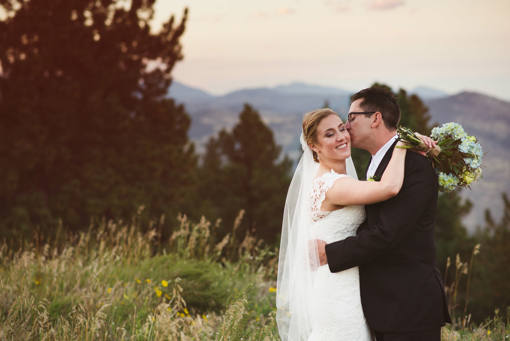 Joanna_Jason_Golden_Colorado_Wedding_10.jpg