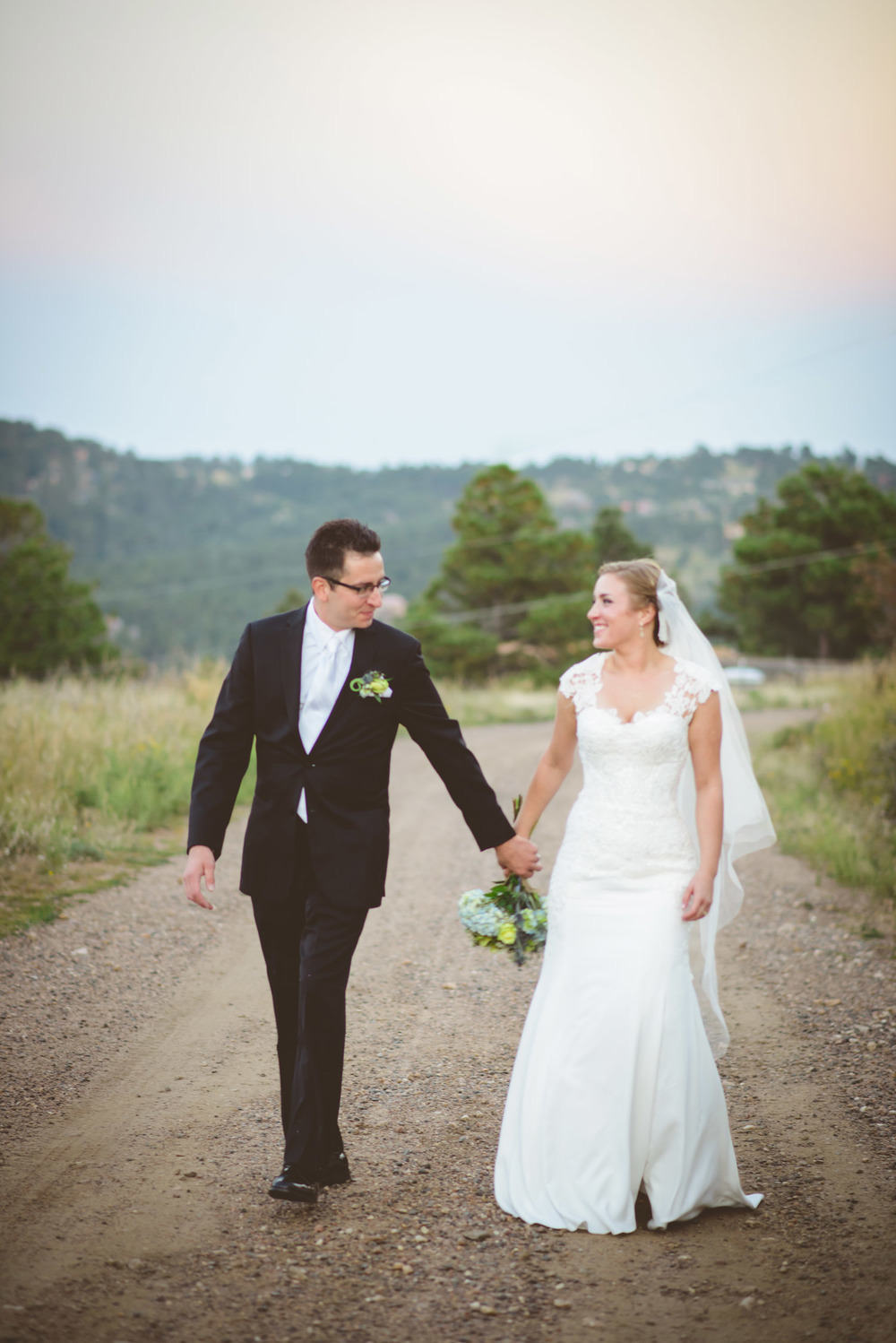 Joanna_Jason_Golden_Colorado_Wedding_12.jpg