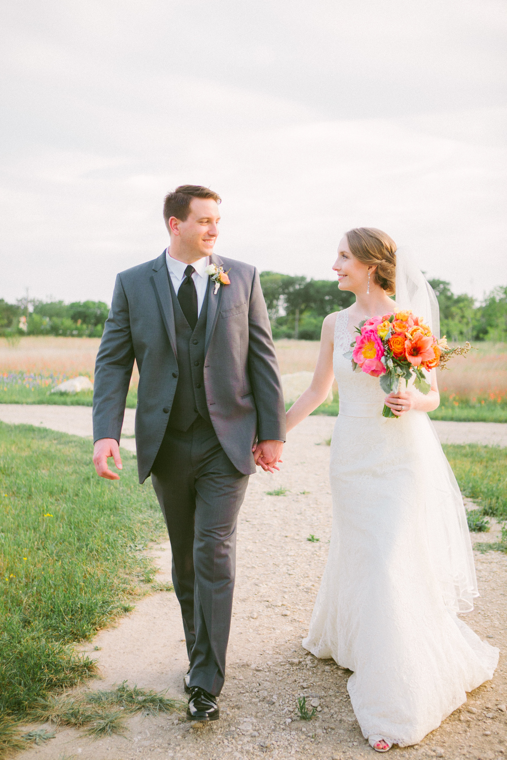 Rosalyn_Josh_Texas_Wedding_15.jpg