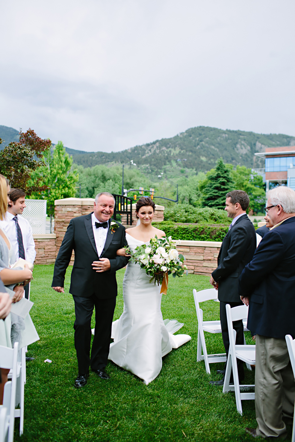 lelarose_colorado_realwedding_05.jpg