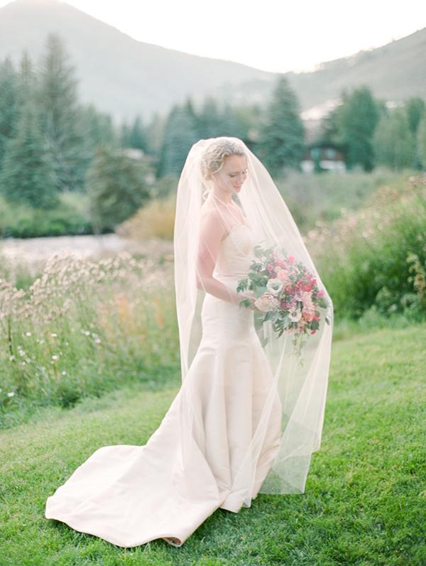 34-Elegant_Vail_Wedding.jpg