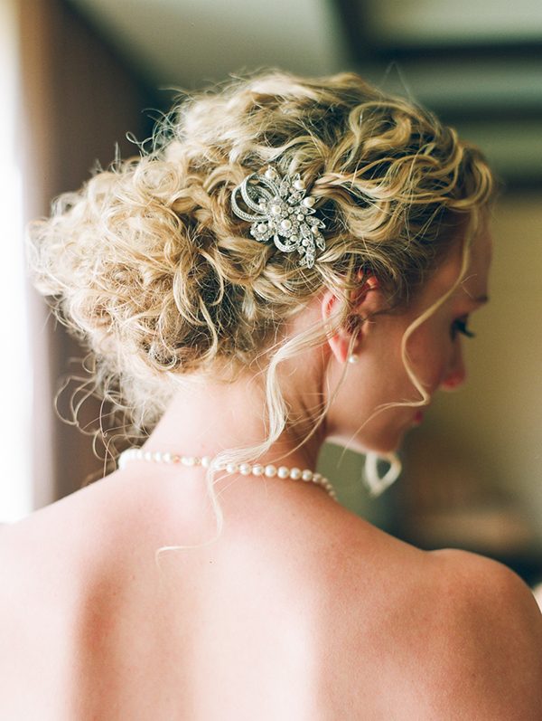 05-Wedding-Day-Hair-Pearls-Barrette.jpg
