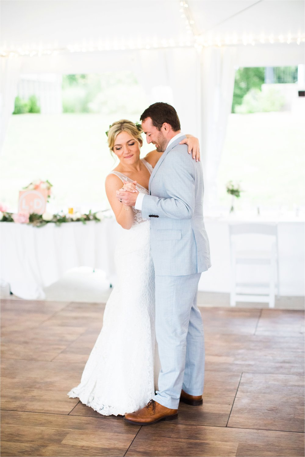 West-Michigan-wedding-photographer-Tifani-Lyn-The-Felt-Mansion-Estate-Wedding-Venue-Rose-Gold-Pink-Lis-Davis_0051.jpg