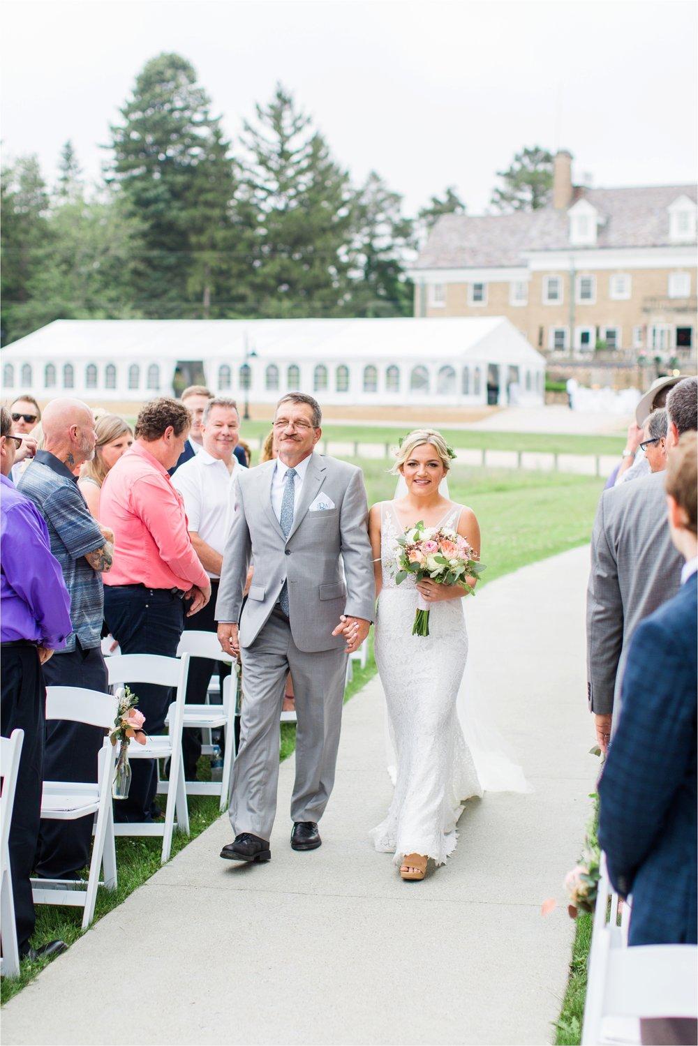 West-Michigan-wedding-photographer-Tifani-Lyn-The-Felt-Mansion-Estate-Wedding-Venue-Rose-Gold-Pink-Lis-Davis_0036.jpg