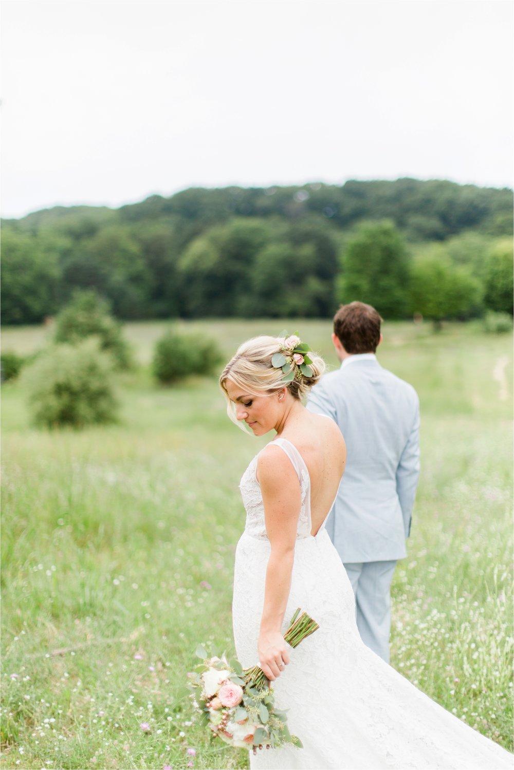 West-Michigan-wedding-photographer-Tifani-Lyn-The-Felt-Mansion-Estate-Wedding-Venue-Rose-Gold-Pink-Lis-Davis_0022.jpg