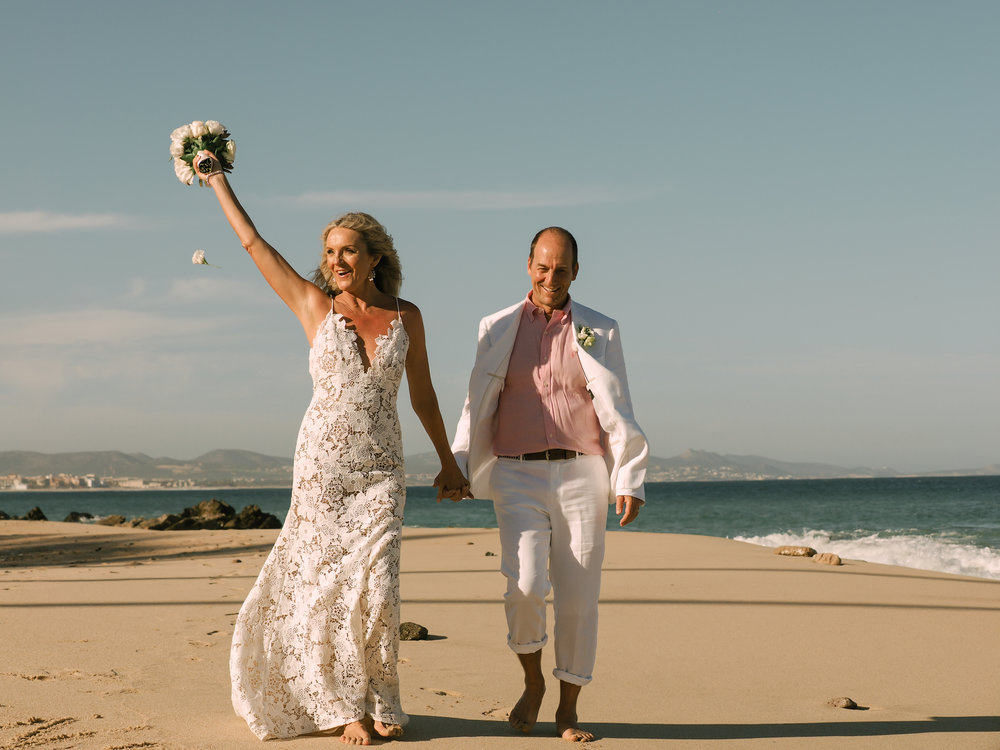 Real Wedding Karina Ron Mexico Beach Wedding In Hayley Paige