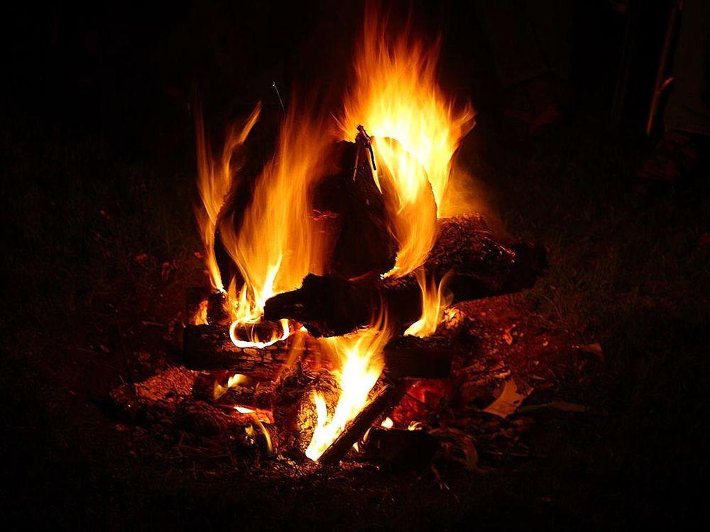 Campfires_flames.jpg