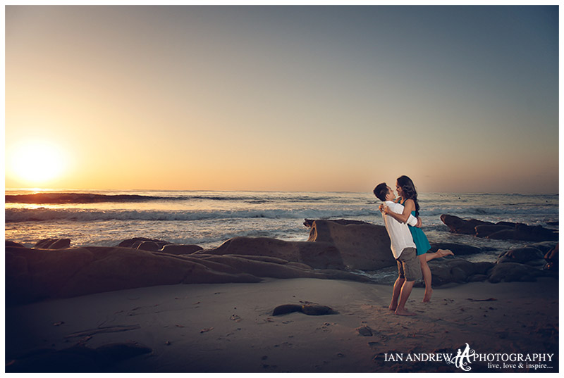 la_jolla_beach_sunset_engagement.jpg