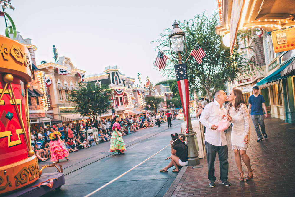 disneyland engagement phots ian andrew photography.jpg