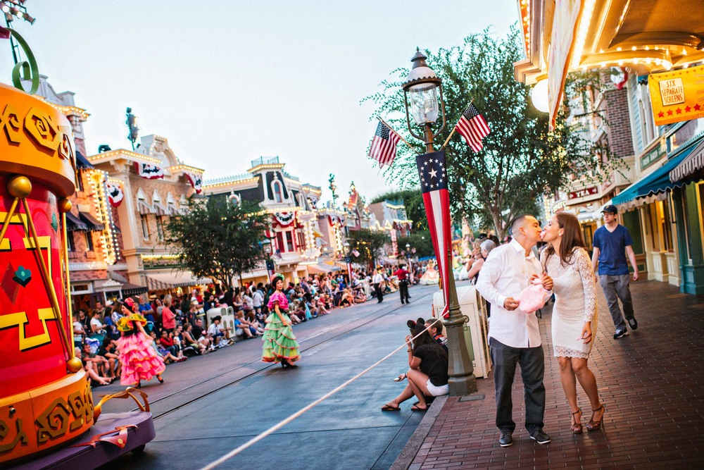 ian andrew photography_disneyland engagement session3.jpg