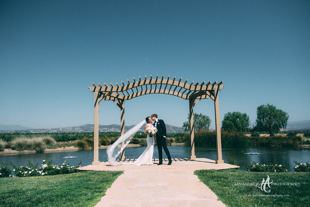 ian andrew photography_lorimar winery wedding photography.jpg