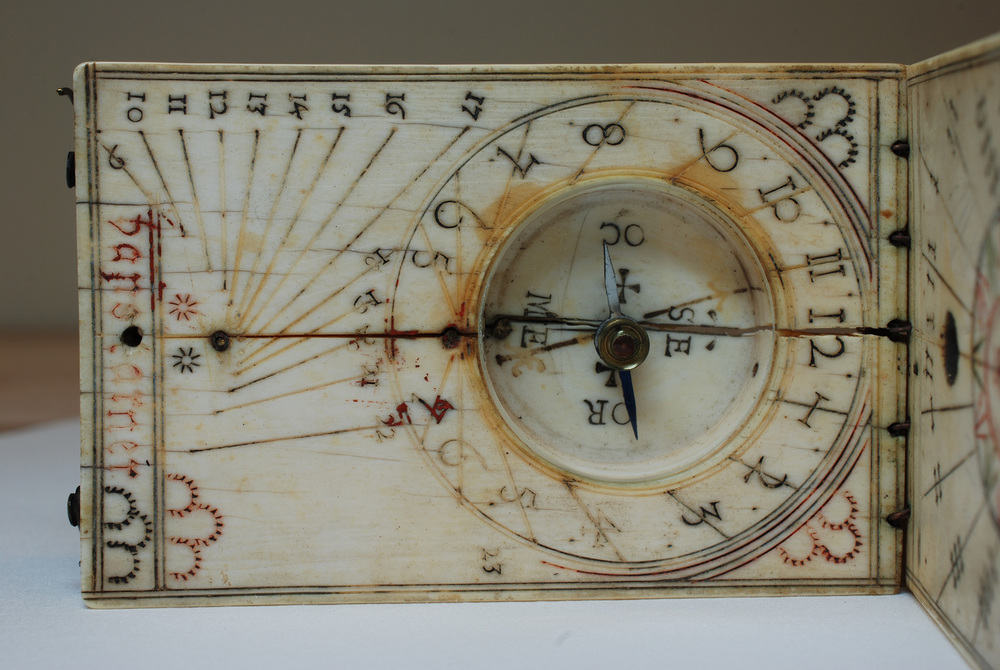 A crack through ivory diptych sundial, W-136.