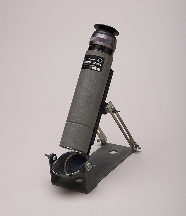 Edmund Scientific Corporation, Edscorp Satellite Telescope. Barrington, New Jersey, ca. 1955 (Adler Collection, A-332).