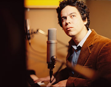 m-ward-at-piano-2007.jpg