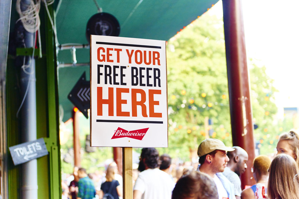 food photographer london photography advertising editorial packaging pr foodporn free beer budweiser summer freinds happiness toilets post sign people