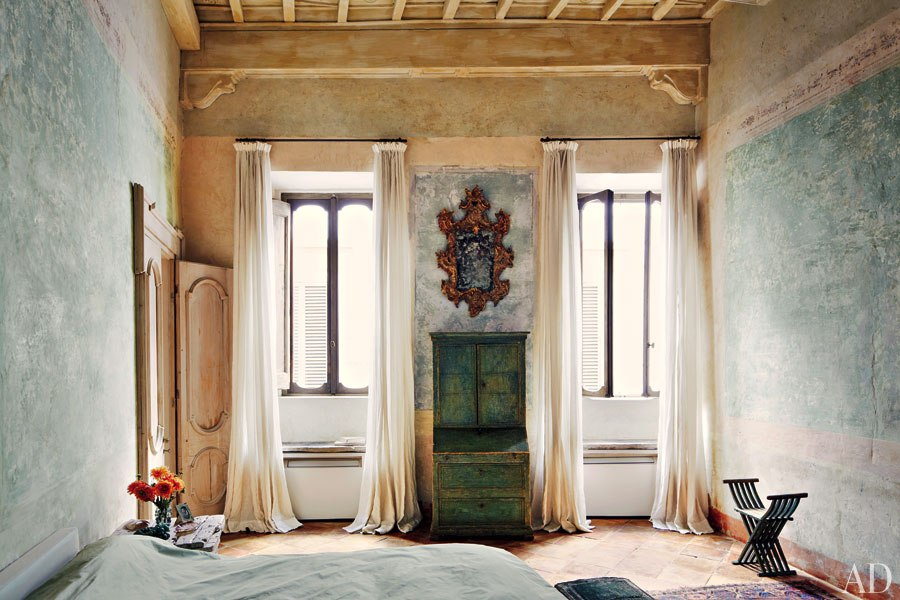 KATIA AND MARIELLE LABÈQUE'S PALATIAL APARTMENT AND STUDIO IN ROME.jpg