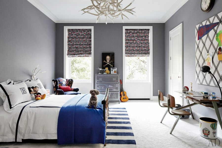 item6.rendition.slideshowWideHorizontal.delphine-krakoff-new-york-city-08-childrens-room-adnet-bed-leotine-linens.jpg