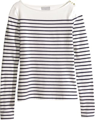 Boatneck- Go For A Walk In the Park With This Fun Top & A Cute Pair Of Linen Trousers