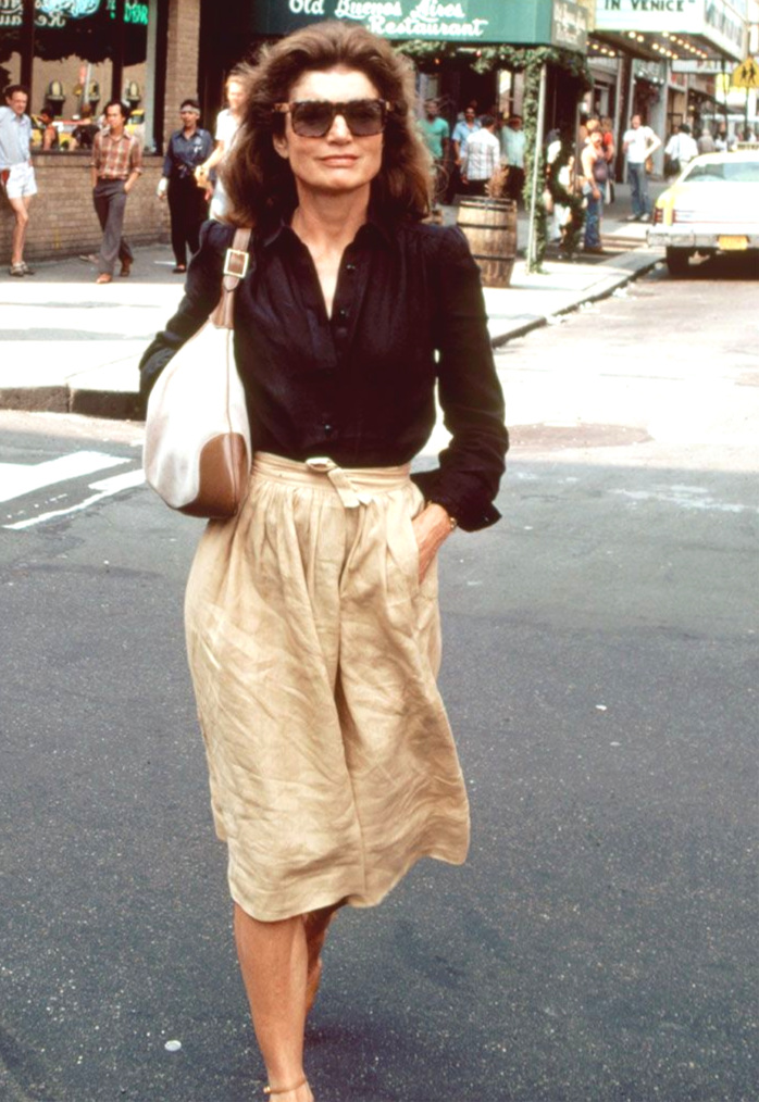 Image via Pinterest Jackie O wearing the infamous custom designed hobo bag by Gucci