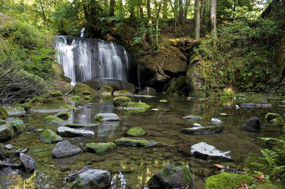 Waterfall-2.jpg