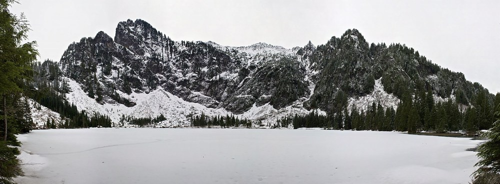 Heather Lake Pano.jpg