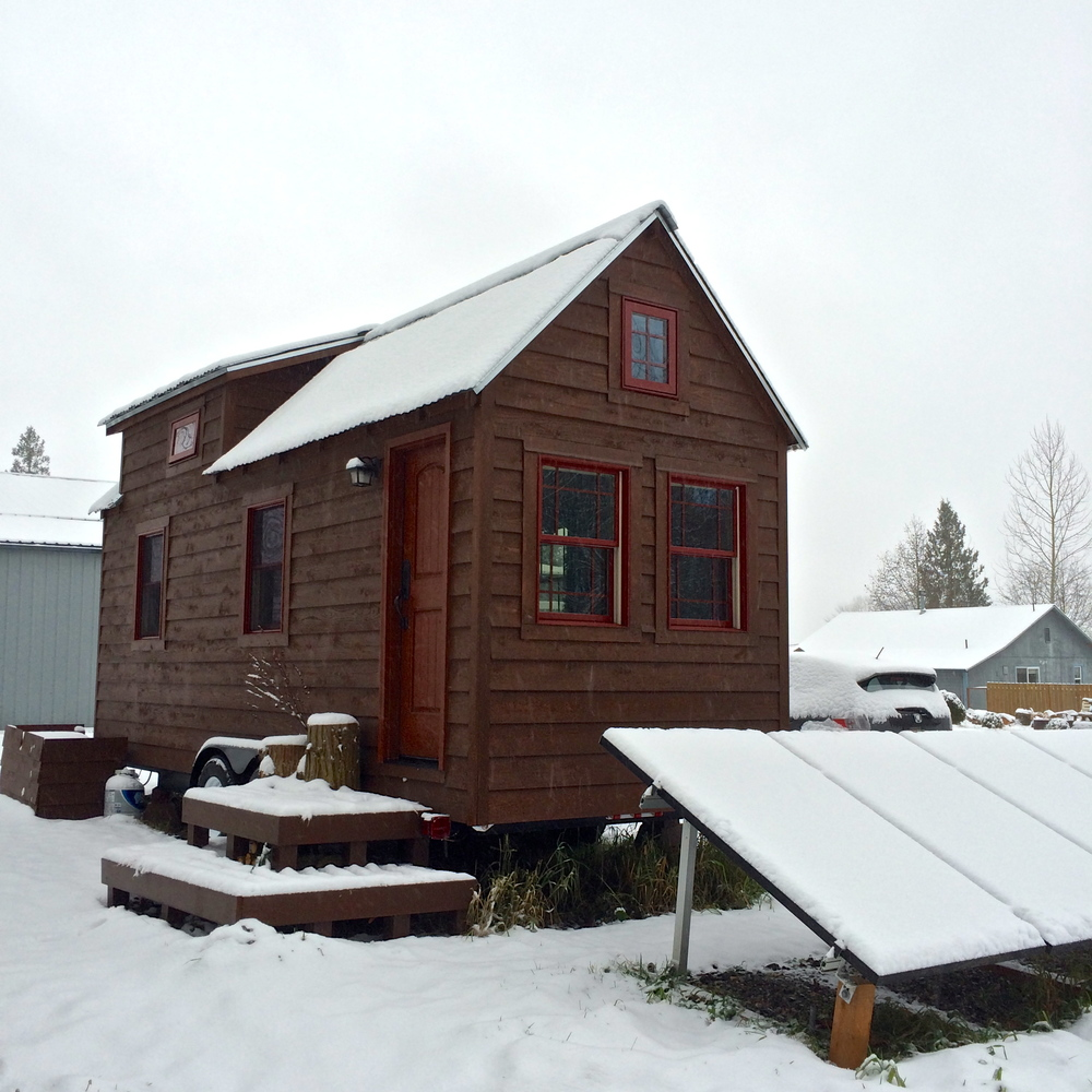 We got SNOW! It didn't last very long, about 24 hours or so… not to bad for the area. Mind you, when the solar panels are covered in snow, they don't work so much. Another reason why they are not mounted to our roof, it would be a challenge o maintain them. During the winter months we usually are hooked up to the grid, but from April till October, we run on Solar!