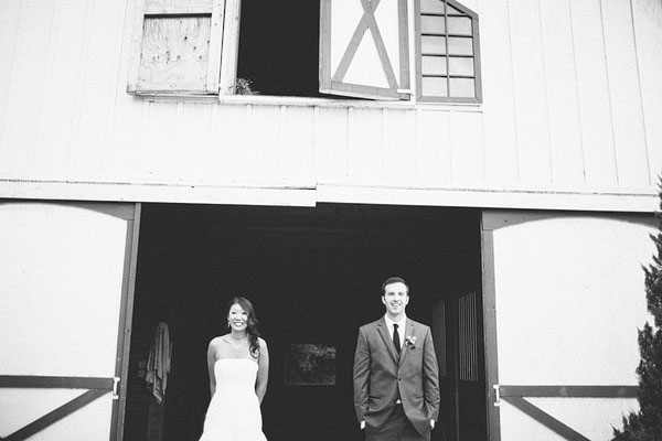 bride and groom pic black and white