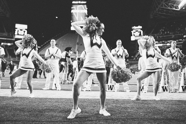 UW football cheerleaders cute