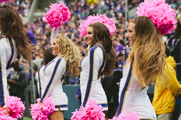 UW cheerleaders hot football