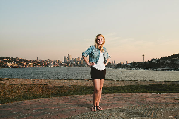 strobist senior portrait in Seattle