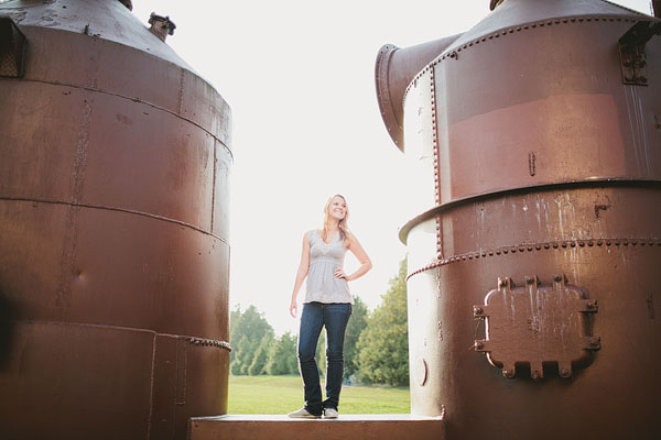 fun senior photos at Gas Works Park in Seattle