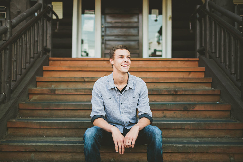 Seattle boy senior portrait photography