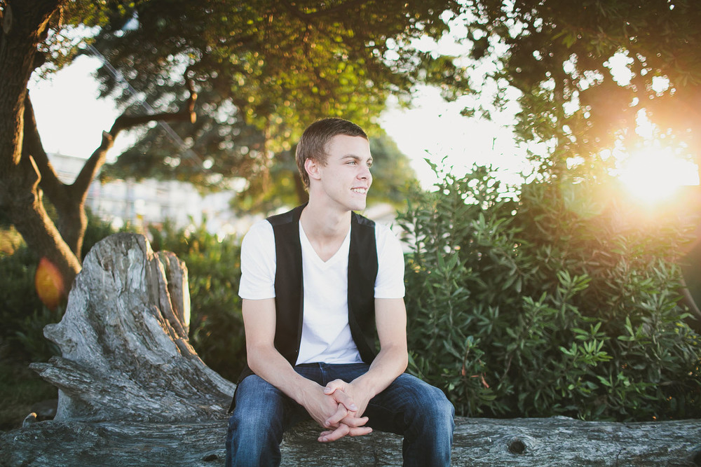 Alki senior portrait photographer