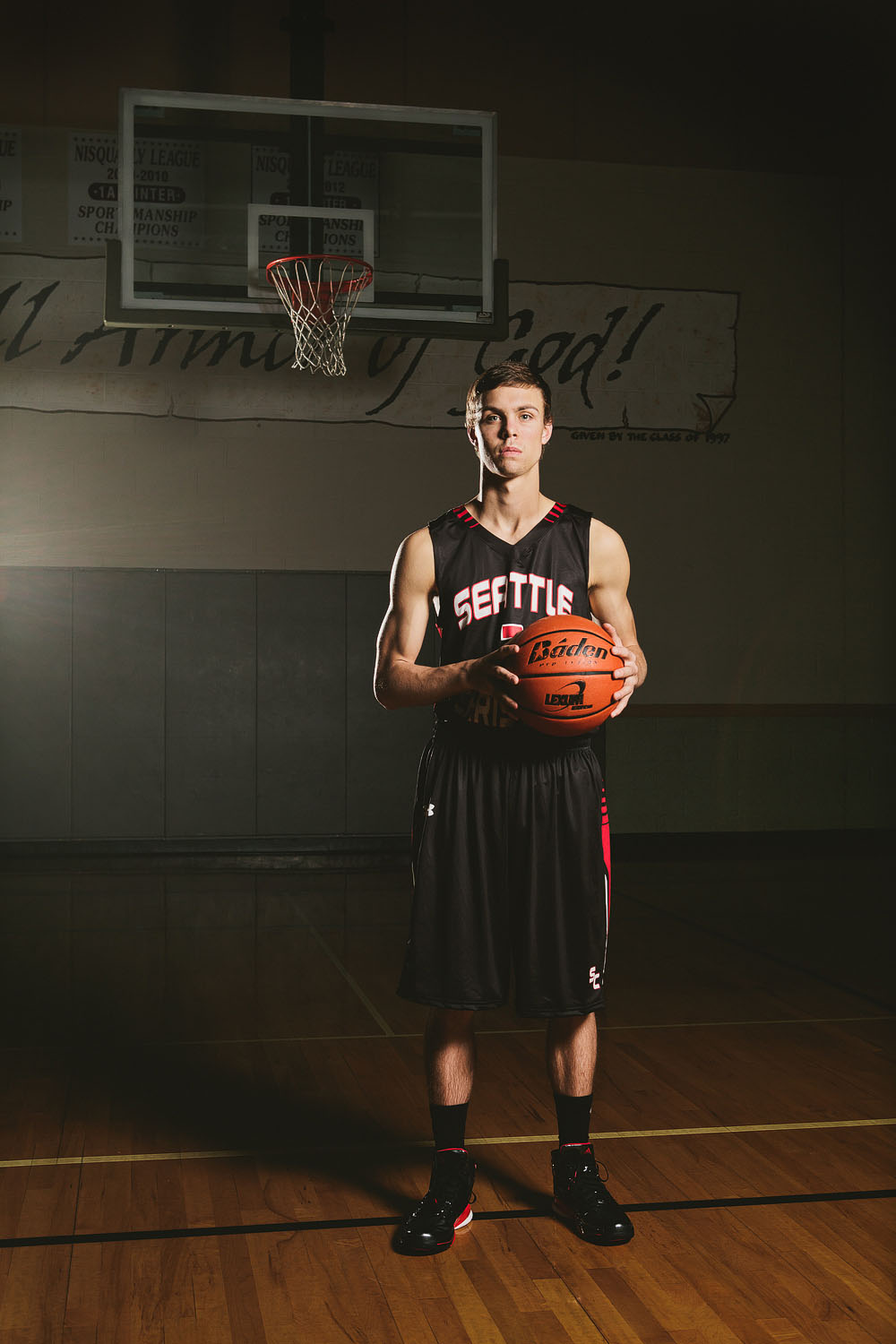 Basketball strobist senior portrait