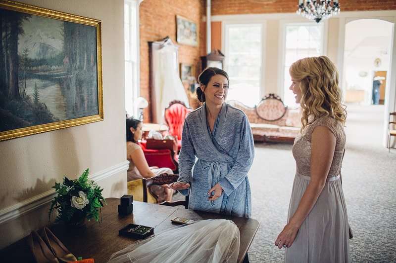 Hollywood Schoolhouse Woodinville wedding photography