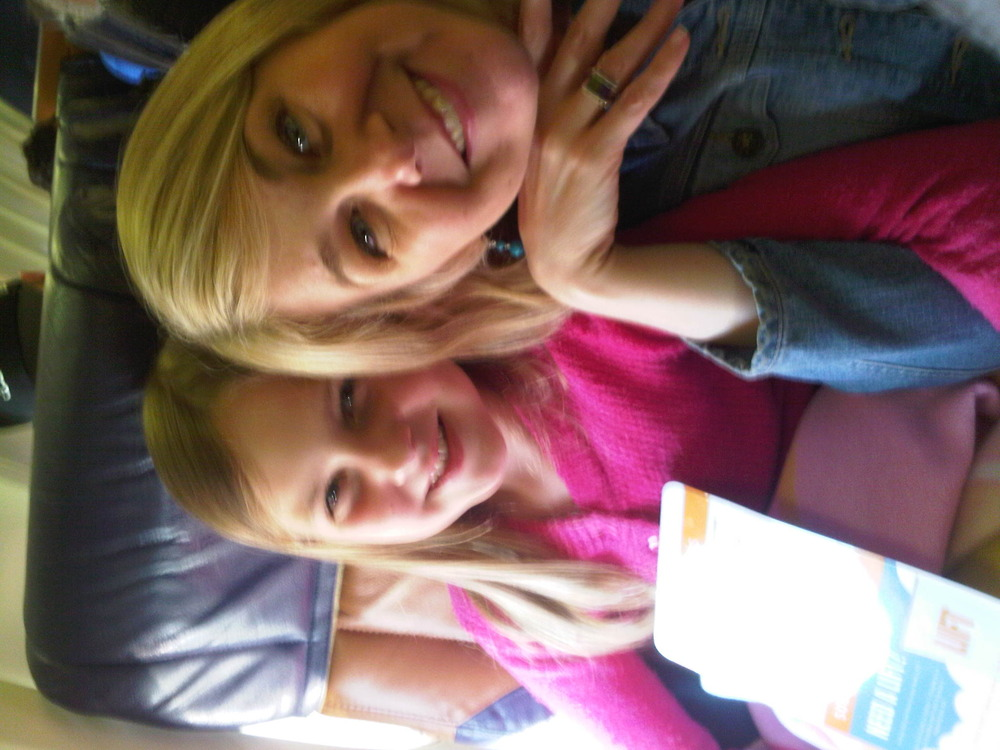 Olivia_jen_on_the_plane