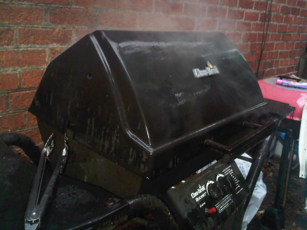 Grilling_in_the_rain